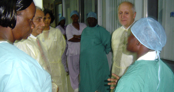 Canadian High Commissioner visiting the Burn Care Unit